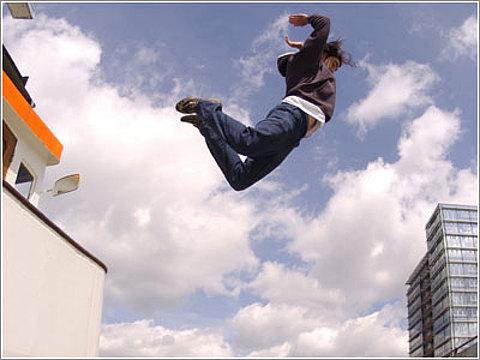 прыжок с крыши фильм